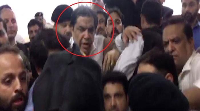 ایفی ڈرین کوٹہ کیس: حنیف عباسی کو عمر قید کی سزا، اڈیالہ جیل منتقل