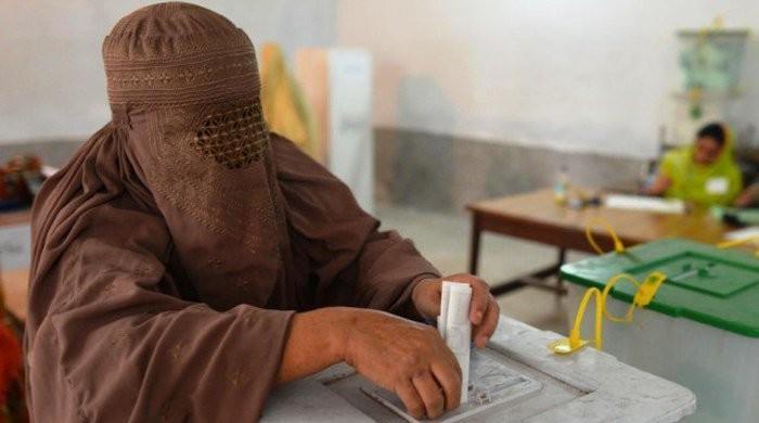 خواتین کو ووٹ ڈالنے سے روکنے پر انتخابات کالعدم ہوسکتے ہیں، الیکشن کمیشن