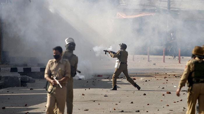 سری نگر: بھارتی فوج کی فائرنگ سے 3 کشمیری شہید