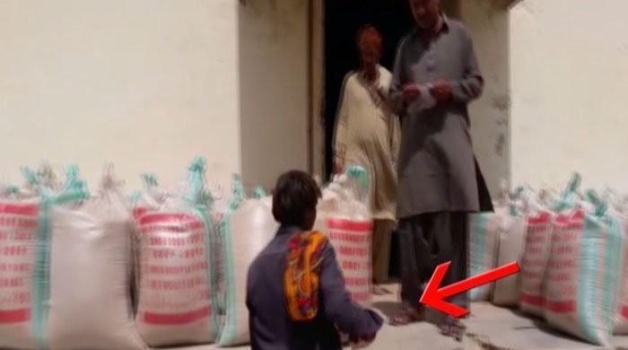 تھرمیں قحط  سےمتاثرہ افراد سے پیسے لیکر امدادی گندم دینے کا انکشاف