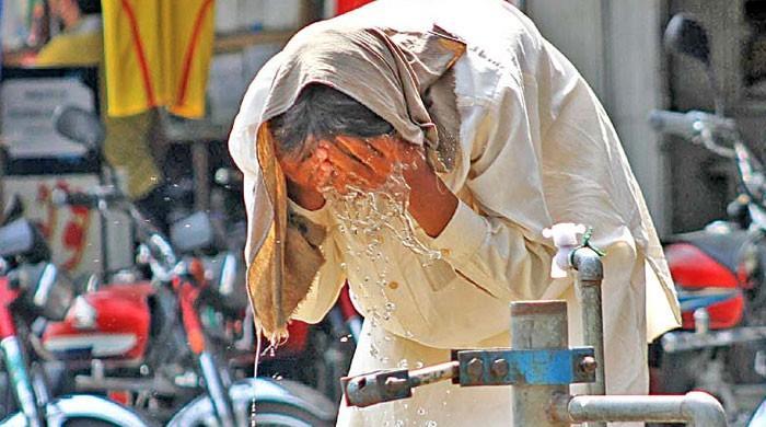 کراچی میں موسم آج بھی گرم رہنے کا امکان، پارہ 40 ڈگری تک جانے کی پیشگوئی