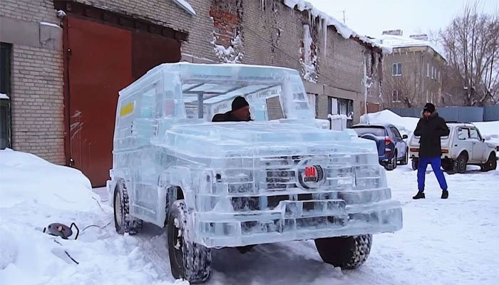 اوس له یخ څخه جوړ موټر هم چلېدای شي (تصویرونه)