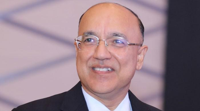 سکیورٹیز اینڈ ایکسچینج کمیشن کے کمشنر طاہر محمود وطن واپس پہنچ گئے