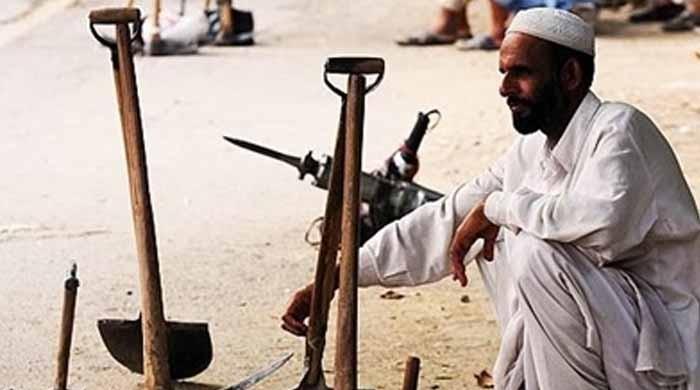 پاکستان میں بیروزگار افراد کی تعداد ایک لاکھ 70 ہزار بڑھ کر 37 لاکھ 90 ہزار ہوگئی