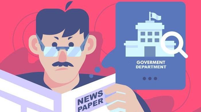 سرکاری افسر اور انجلینا جولی