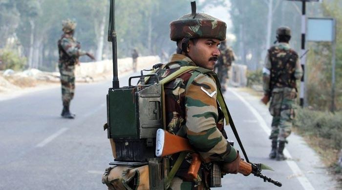 مقبوضہ کشمیر: بھارتی فورس کے اہلکار نے اپنے ہی 3 ساتھیوں کو قتل کردیا