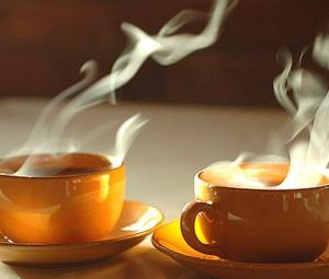 تیز گرم چائے گلے کے کینسر کا سبب بنتی ہے: رپورٹ
