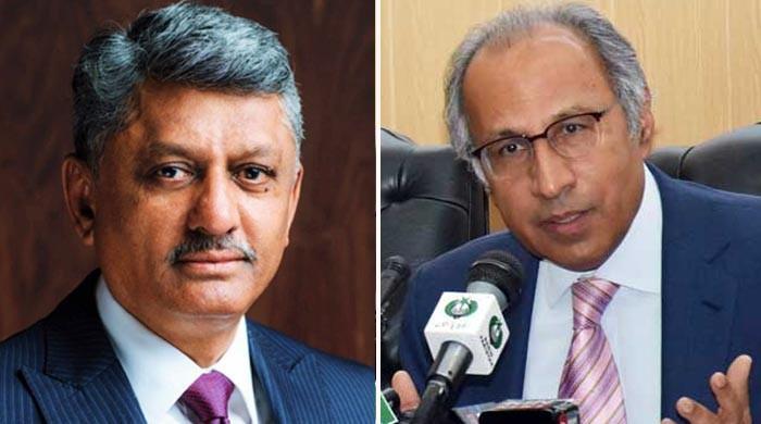 حفیظ شیخ سے اختلافات، سیکریٹری خزانہ یونس ڈھاگا کو عہدے سے ہٹادیا گیا