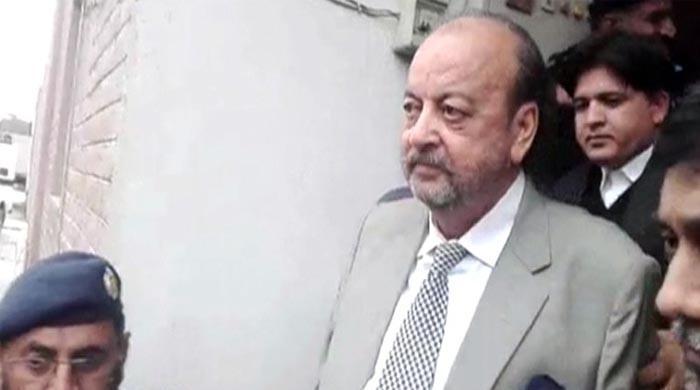 سندھ ہائیکورٹ کا نیب کو آغا سراج کیخلاف 11 جون تک ریفرنس دائر کرنے کا حکم