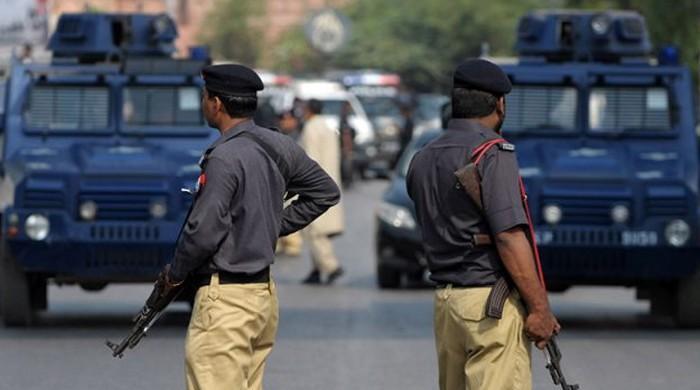 سندھ پولیس کا 'کراچی لولی پاپ'
