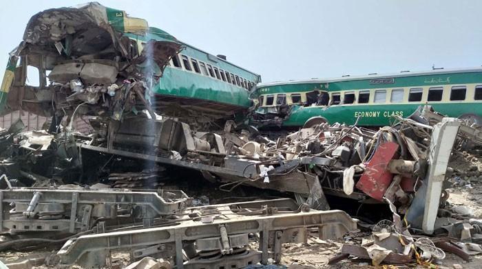 اکبر بگٹی ایکسپریس حادثہ: ڈرائیور اور اسسٹنٹ ڈرائیور ذمہ دار قرار
