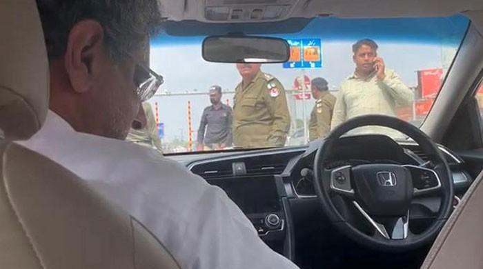 ایل این جی کیس: نیب نے سابق وزیراعظم شاہد خاقان عباسی کو گرفتار کرلیا