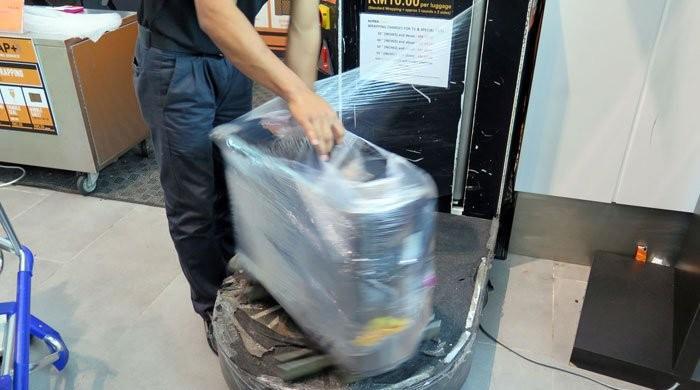 شدید عوامی رد عمل: ائیرپورٹس پر سامان کی پلاسٹنگ ریپنگ کا فیصلہ واپس لے لیا گیا