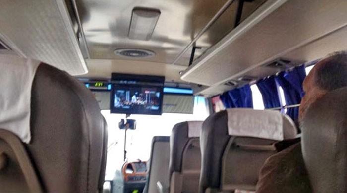 مسافر بسوں میں بھی بھارتی فلمیں دکھانے پر پابندی عائد
