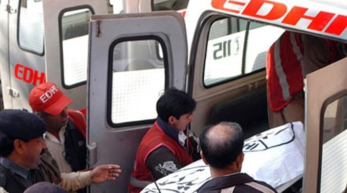 میرپور خاص: موٹرسائیکل پربچے کی میت لیجانے والے باپ اورچچا بھی حادثے میں جاں بحق