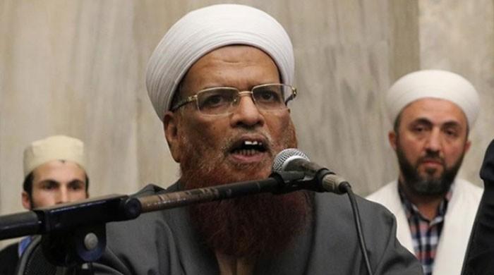 کے پی میں طالبات کے عبایا کا معاملہ، مفتی تقی عثمانی کا وزیراعظم سے نوٹس کا مطالبہ