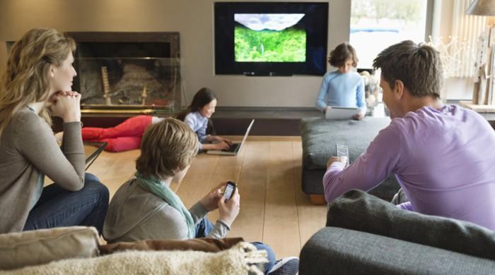 ہوشیار،ٹی وی گھر کی جاسوسی بھی کر رہے ہیں!