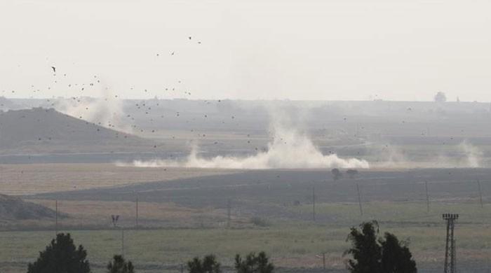 امریکی دھمکیوں کے باوجود ترکی نے شام میں کرد باغیوں پر بمباری شروع کردی