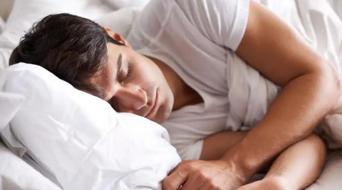ضرورت سے زیادہ نیند انسانی صحت کیلئے خطرناک قرار