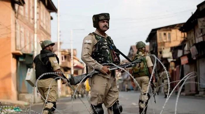 مقبوضہ کشمیر میں بھارتی لاک ڈاؤن کے 70 روز، مظاہرین کا احتجاج جاری