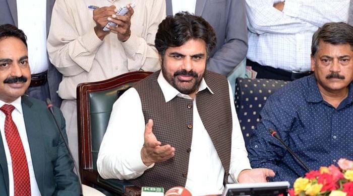 کراچی میں اسٹریٹ کرائمز پر صوبائی وزیر ناصر شاہ کی انوکھی منطق