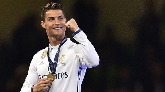 رونالڈو: 700 گول کرنے والا چھٹا فٹبالر