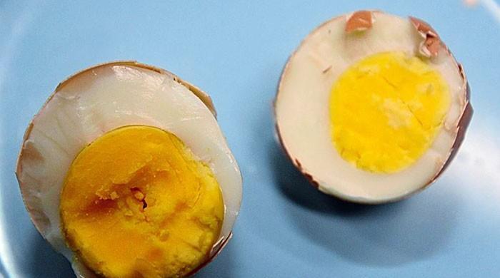 کراچی میں جعلی انڈوں کی فروخت کا انکشاف، ملزم گرفتار