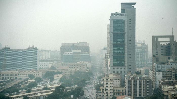 آلودہ ترین شہروں میں کراچی، لاہور کو پیچھے چھوڑتے ہوئے دوسرے نمبر پر آگیا