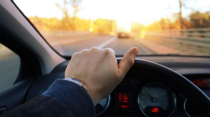 لوگ اپنی زندگی کا کتنا حصہ ڈرائیونگ میں گزارتے ہیں؟