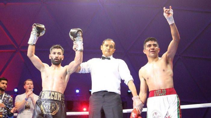 محمد وسیم نے میکسیکن حریف کو چِت کرکے ایک اور اہم فائٹ جیت لی