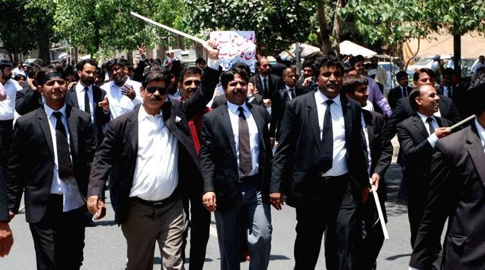 وکلاء کی عدالتوں میں میڈیا کے داخلے پر پابندی کی دھمکی