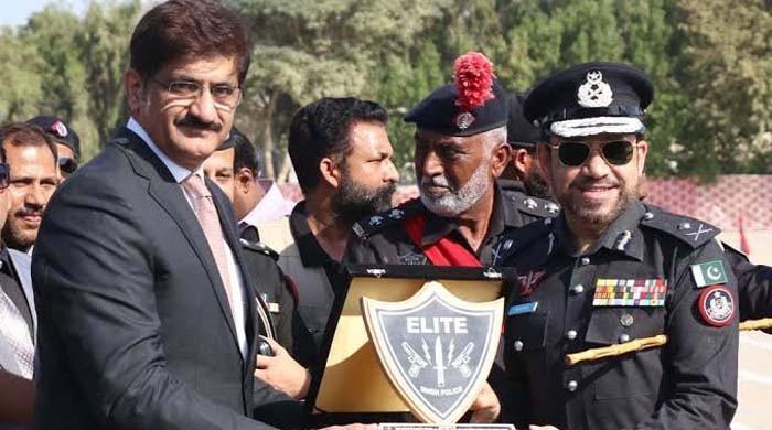 پولیس افسران کے معاملے پر وفاق اور سندھ میں چپقلش کی اصل وجہ