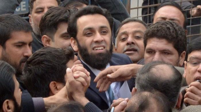 جج ویڈیو اسکینڈل: مسلم لیگ ن کے رہنما عطاء تارڑ  کی ایف آئی اے میں پیشی