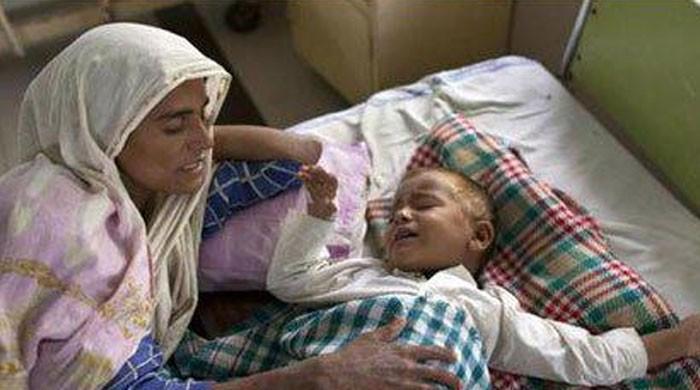 پاکستان میں ایک کروڑ 70 لاکھ بچے پیٹ میں کیڑوں کی شکایت میں مبتلا