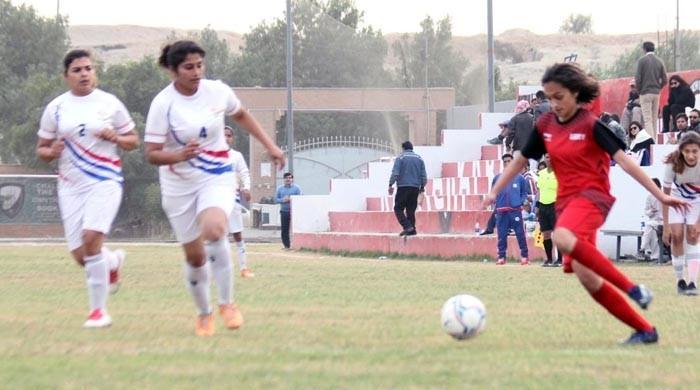 قومی ویمن فٹبال چیمپئن شپ:  آرمی اور کراچی یونائیٹڈ فائنل میں پہنچ گئیں