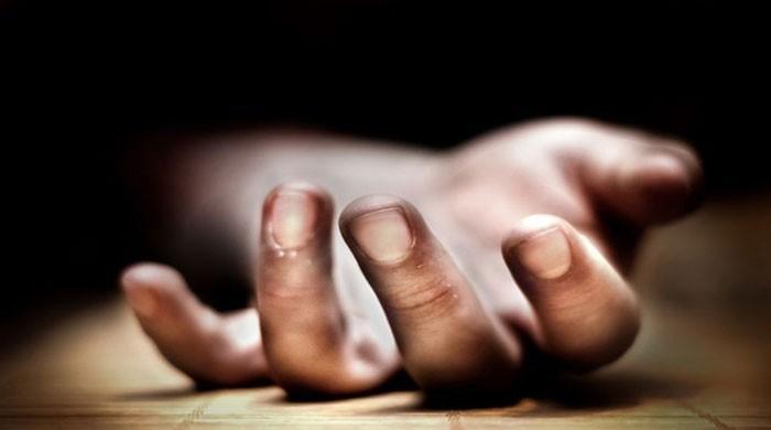 6 اعلیٰ سرکاری افسران کی خودکشیاں