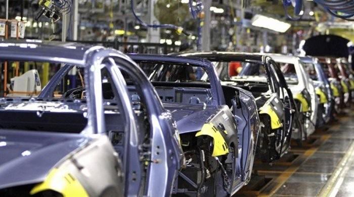 پاکستان میں بننے والی گاڑیاں ٹین کا ڈبہ ہیں: سینیٹ کمیٹی میں انکشاف
