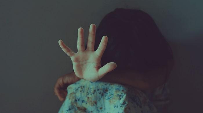 نوشہرہ میں 7 سالہ بچی مبینہ زیادتی کے بعد قتل
