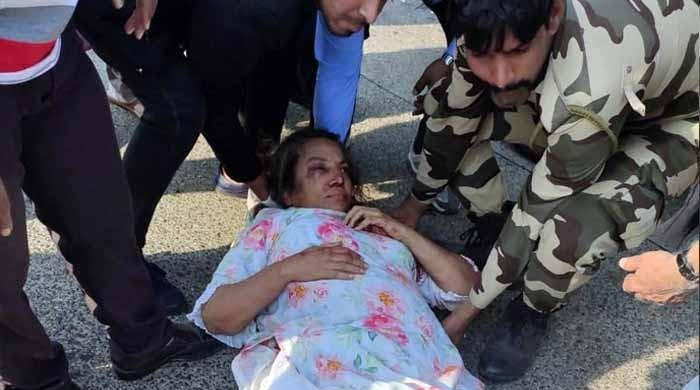 ٹریفک حادثے میں زخمی ہونیوالی بھارتی اداکارہ شبانہ اعظمی آئی سی یو منتقل