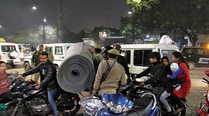 بھارت کی پولیس چور نکلی، ویڈیو وائرل