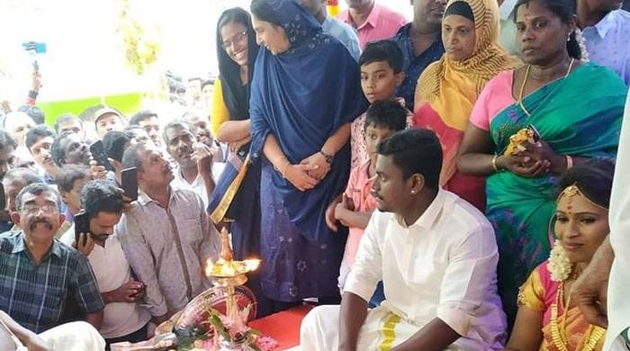 مسجد میں ہندو جوڑے کی شادی کی ویڈیو سوشل میڈیا پر وائرل