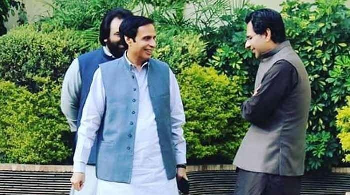 پنجاب میں ق لیگ نے عملی طور پر وزارت اعلیٰ سنبھال لی