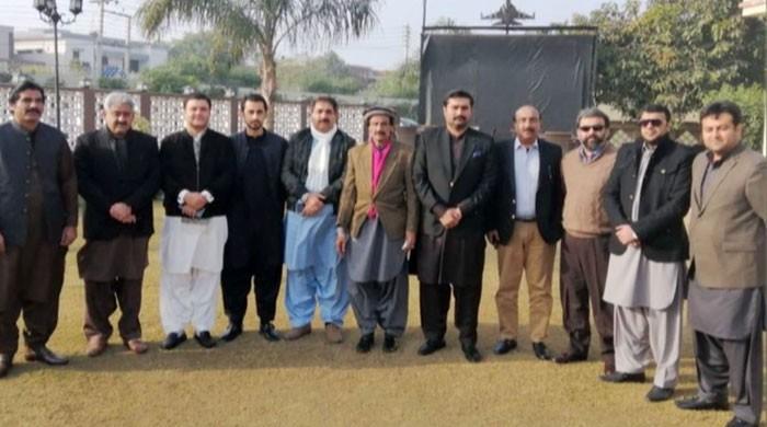 پی ٹی آئی کے ناراض ارکان پنجاب اسمبلی کو وزیراعلیٰ نے ملاقات کیلئے بلالیا