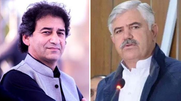 پنجاب کے بعد خیبرپختونخوا کے وزراء بھی اپنے وزیراعلیٰ کیخلاف ہوگئے