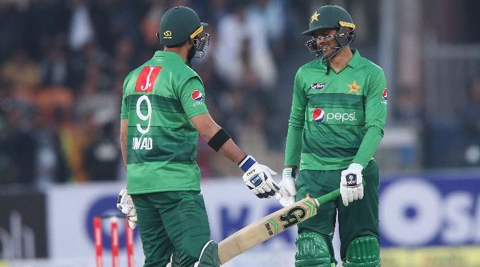 تجربہ کار شعیب ملک کی شاندار اننگز، پاکستان نے بنگلادیش کو شکست دے دی
