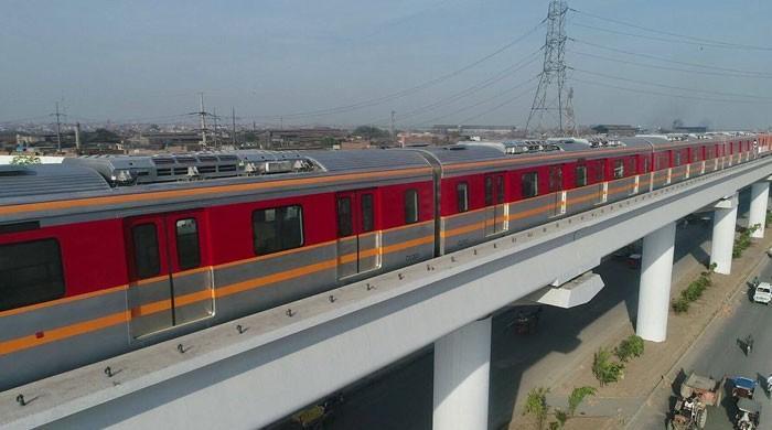کورونا وائرس کا خطرہ: اورنج ٹرین منصوبے پر کام عارضی طورپر روک دیا گیا