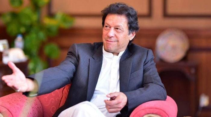 'عمران خان کو ایک نہیں دو ٹیکے لگنے چاہئیں'