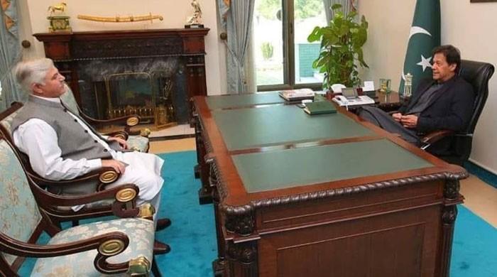 برطرف وزراء کو ایک اور موقع دیں، وزیراعظم کی وزیراعلیٰ خیبرپختونخوا کو ہدایت