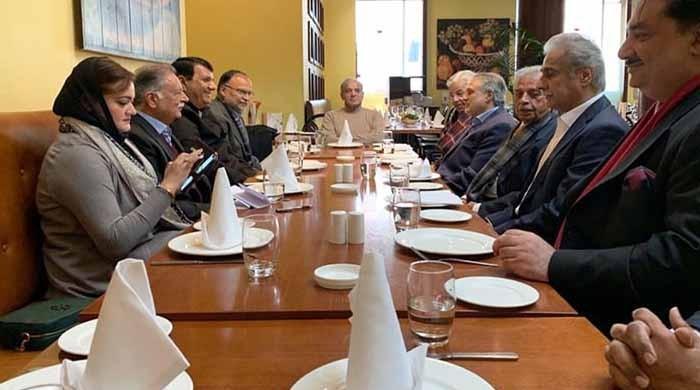 مسلم لیگ (ن) کے اقتدار کے لیے پاور بروکرز کے ساتھ مذاکرات