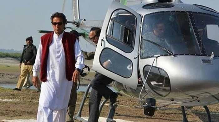عمران خان کیخلاف ہیلی کاپٹر کیس بند کرنے پر نیب کی پراسرار خاموشی